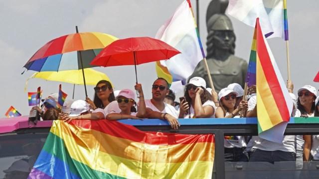 Integrantes de la comunidad LGBTI en calles de la ciudad de Guadalajara. (Foto: Cuartoscuro/archivo)