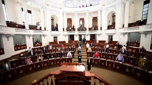 Con sana distancia, diputados del Congreso CDMX sesionan
