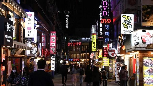 Corea del Sur prevé rebrotes de COVID-19 y descarta cierre de escuelas