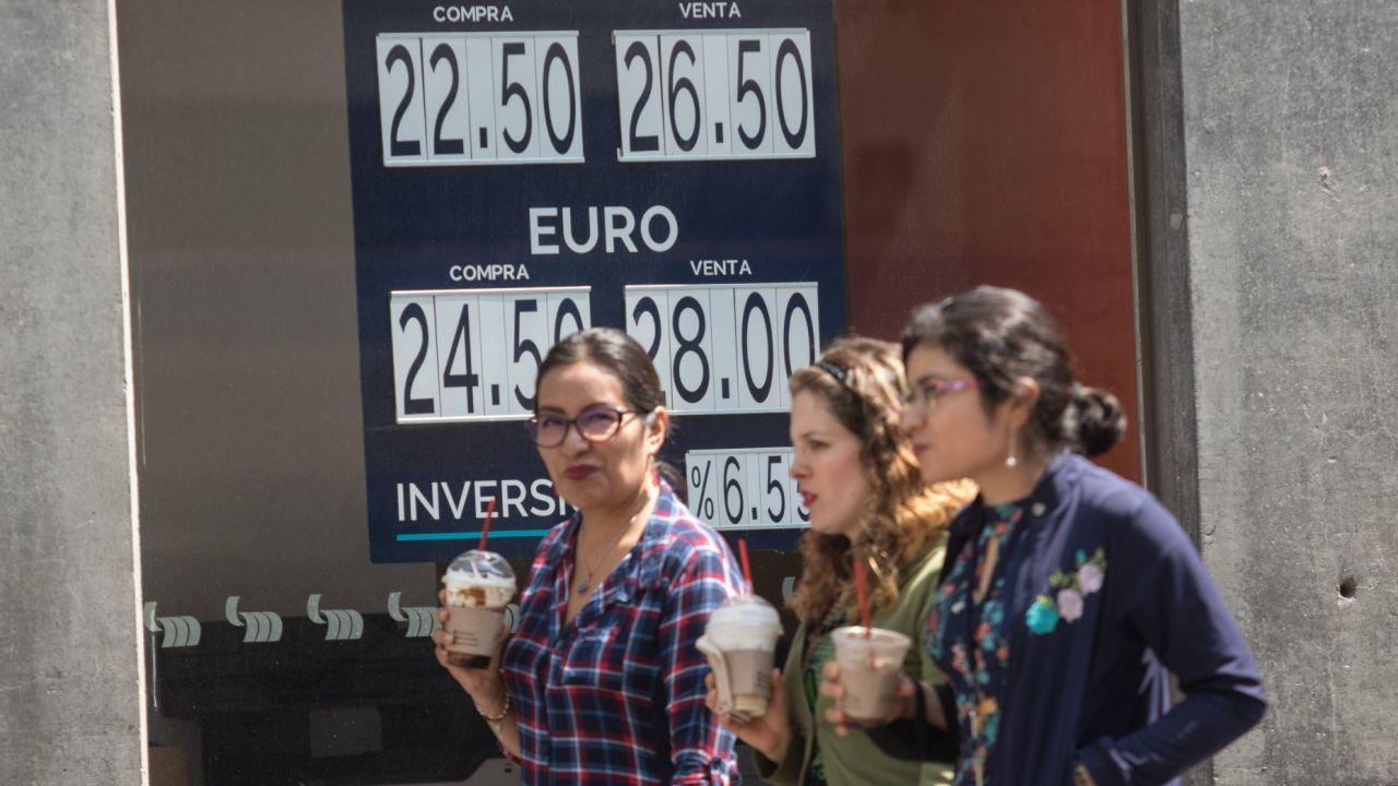 Foto: Dólar cierra en 23.14 pesos; la divisa mexicana acumula ganancia semanal del 5%, 22 de mayo de 2020, (Cuartoscuro, archivo)
