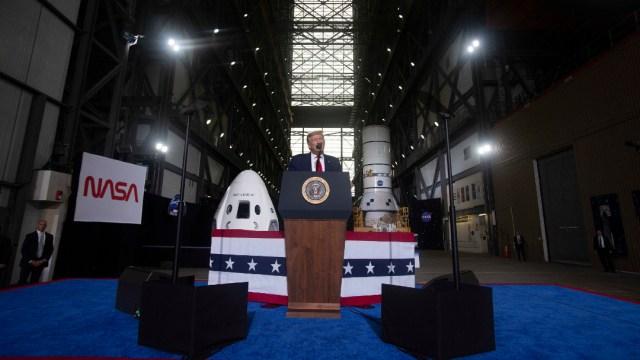 """FOTO: Lanzamiento del SpaceX """"gran inspiración"""" en estos momentos: Trump, el 30 de mayo de 2020"""