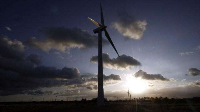 CRE sube tarifas a empresas de energías renovables