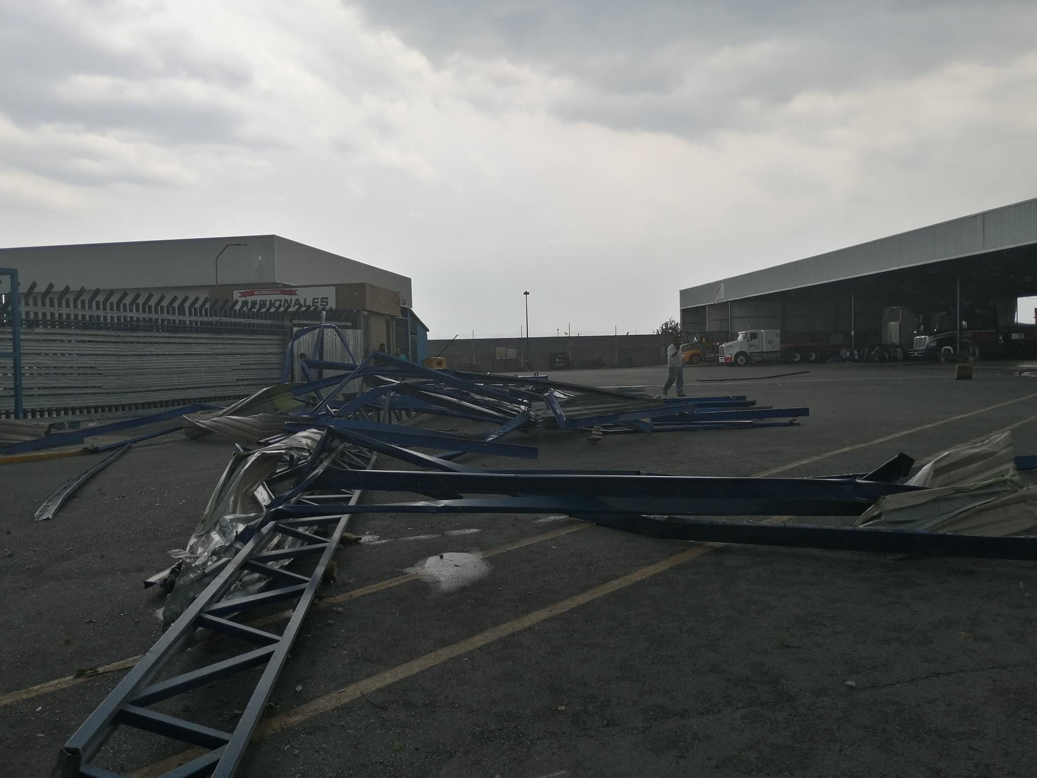 Foto: Tornado en Nuevo León. (Twitter @yadithvaldez)