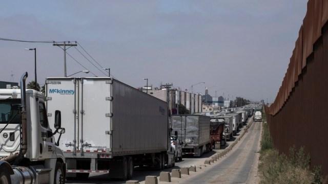 Exportaciones se desploman 40.9% en abril durante cuarentena, reporta INEGI