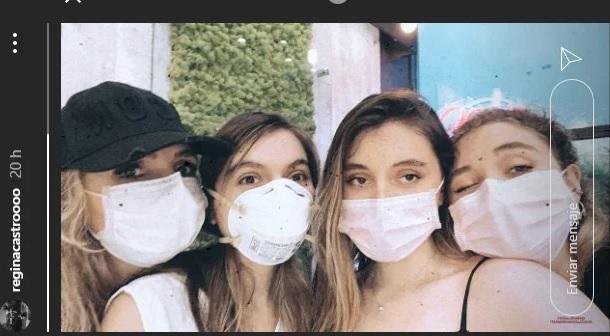 Angélica Rivera posa en una foto con sus tres hijas. Instagram/reginacastroooo