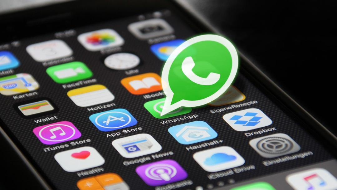 telefono-celular-logotipo-whatsapp-color-verde