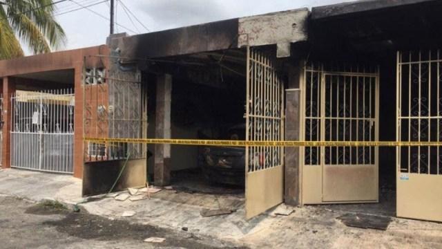 Hombres incendian casa y automóvil de enfermeras en Mérida