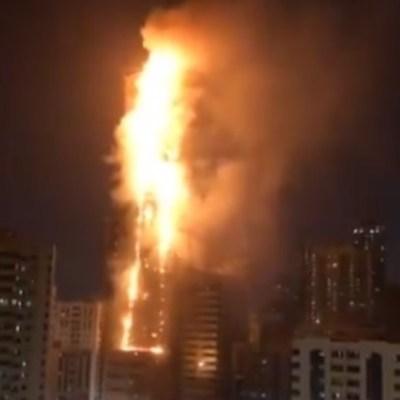 Incendio consume rascacielos en Emiratos Árabes Unidos