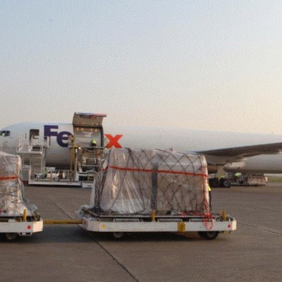 Foto: Llega a México cuarto vuelo de Estados Unidos con insumos contra coronavirus