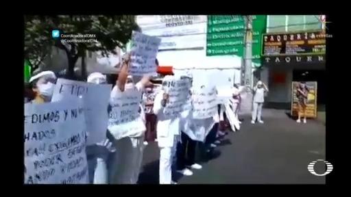 Médicos protestan en CDMX por falta de insumos médicos
