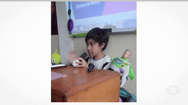 Mini López-Gatell causa furor en redes sociales
