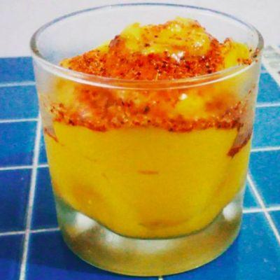Así puedes hacer nieve de mango con chamoy usando una licuadora
