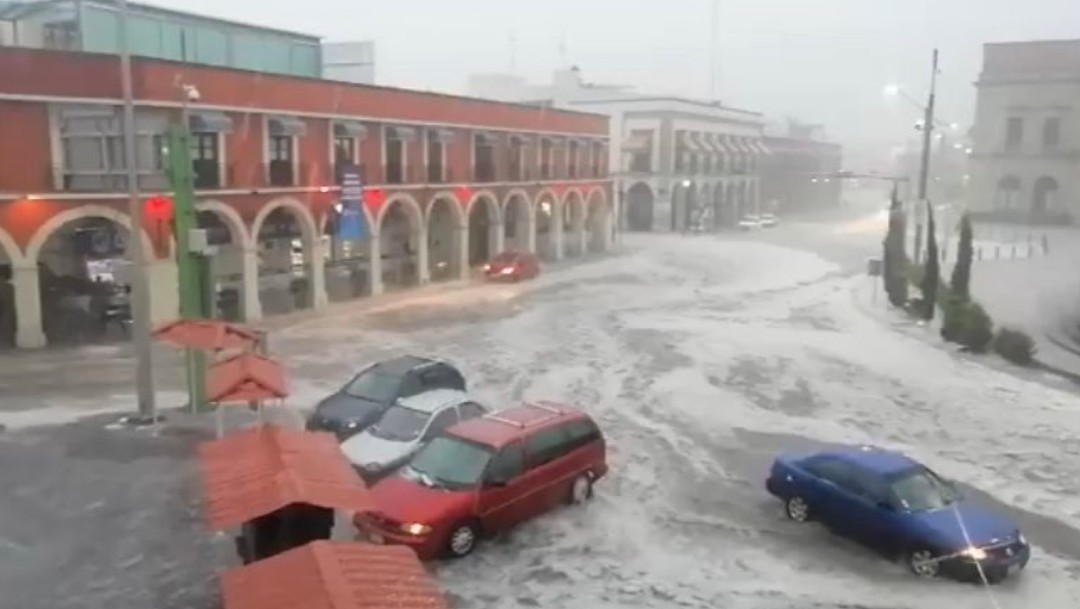 Lluvia severa y granizo afectan zona metropolitana de Pachuca