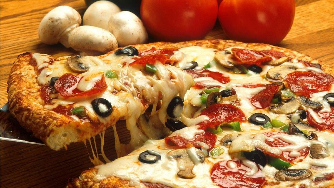 Dueno-pizzeria-ganar-dinero-DoorDash-pizzas
