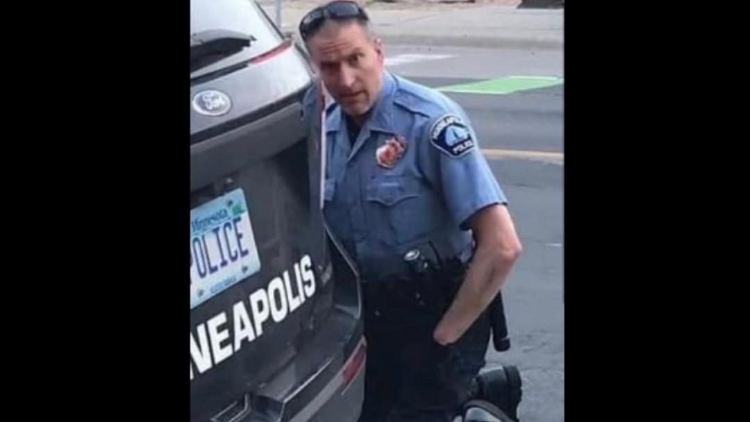 Agente de la policía de Minneapolis acusado de homicidio. Twitter