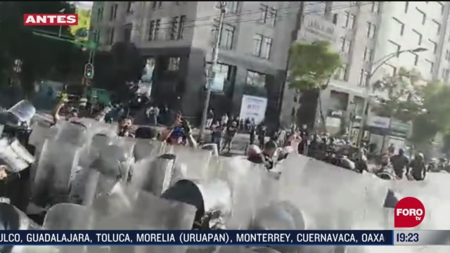 policias y comerciantes pedían dinero en eje central