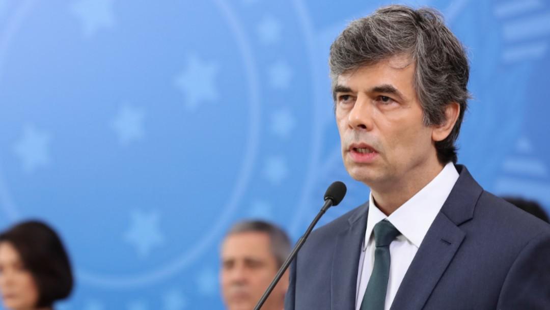 Foto: Renuncia ministro de Salud de Brasil tras diferencias con Bolsonaro por coronavirus