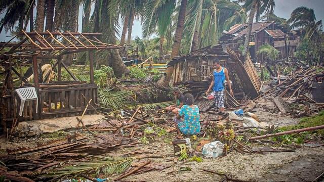 Tifón Vongfong deja un muerto y graves daños en Filipinas