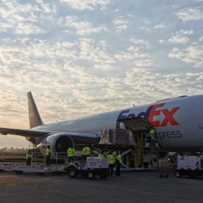 Foto: El avión aterrizó alrededor de las 7:30 horas en el Aeropuerto Internacional de Toluca, 13 mayo 2020
