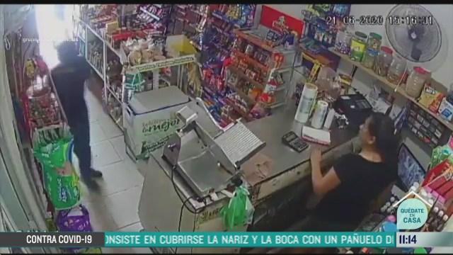 amagan a mujer para robar tienda de abarrotes en veracruz