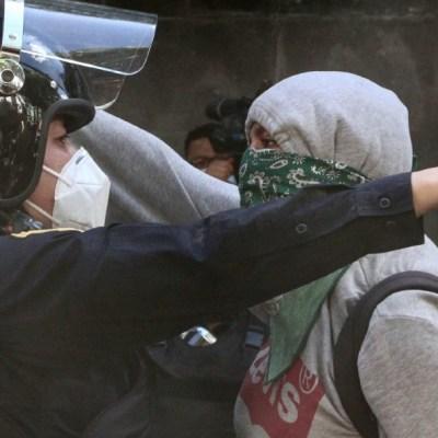 Anarquistas vandalizan Polanco en protesta de abuso policial