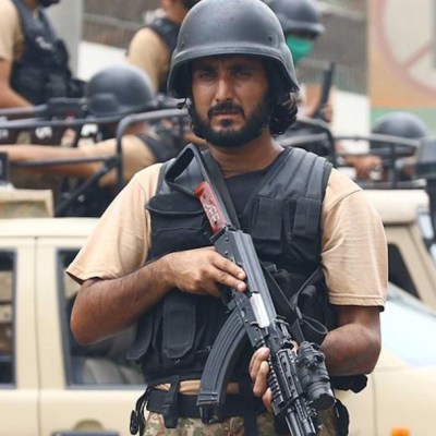 Ataque a la Bolsa de Karachi, en Pakistán, deja al menos siete muertos