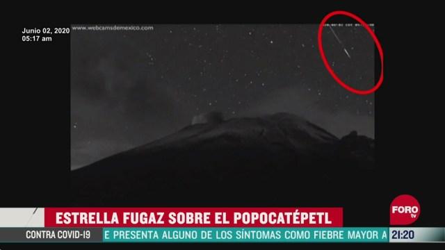 captan estrella fugaz sobre el popocatepetl