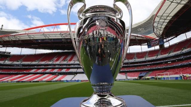 El trofeo de la UEFA Champions League en exhibición antes de la final. (Foto: EFE/archivo)