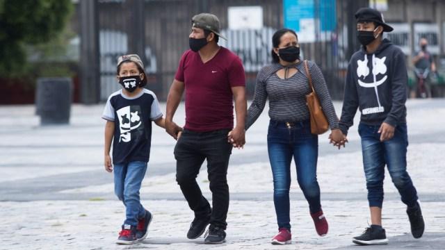 familias mexicanas salen del confinamiento por coronavirus
