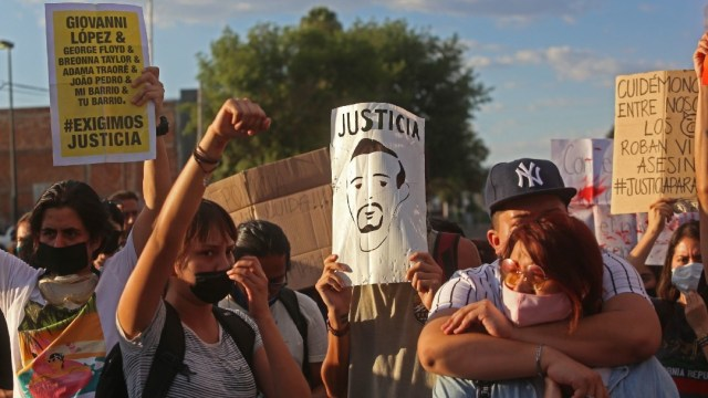 28 detenidos en Jalisco tras protestas por muerte Giovanni
