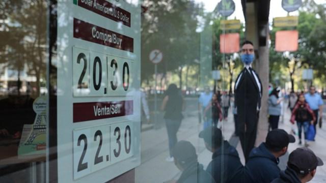 Foto: Dólar cierra en 22.30 pesos y BMV cae debido a disminución de riesgo global, 4 de junio de 2020, (Getty Images, ARCHIVO)