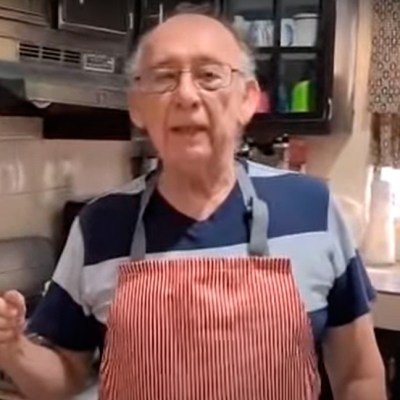 Video: abuelito que perdió su trabajo se convierte en youtuber con recetas de cocina