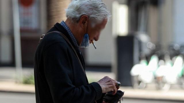 Morena busca elevar impuestos a cigarros, refresco y alcohol