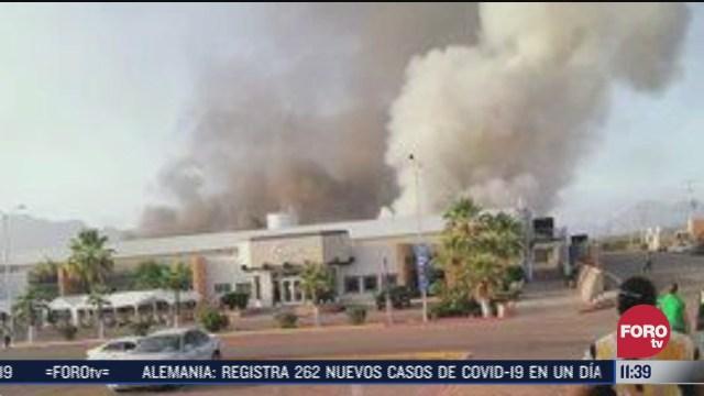 Incendio consume planta del Parque Industrial Rocafuerte en Guaymas, Sonora