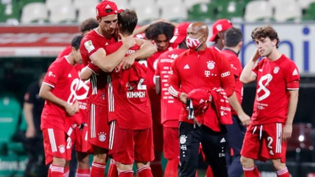 Jugadores del Bayern celebran su octavo campeonato. Getty Images