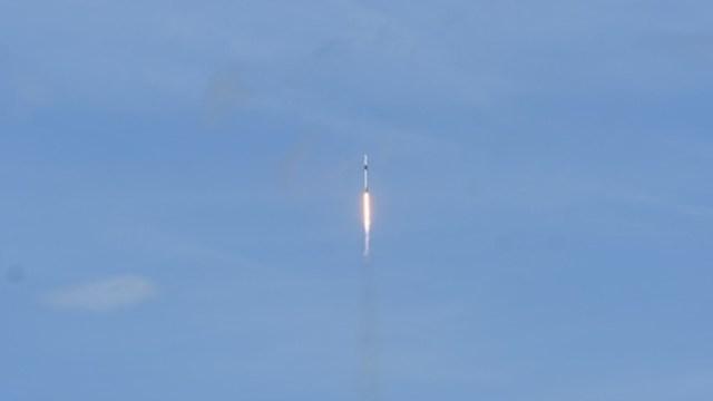 Lanzan cohete Falcon 9 de SpaceX. Getty Images