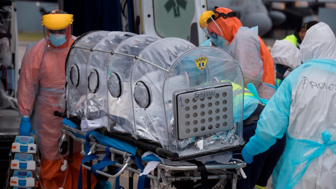 Trasladan a paciente con coronavirus en Chile
