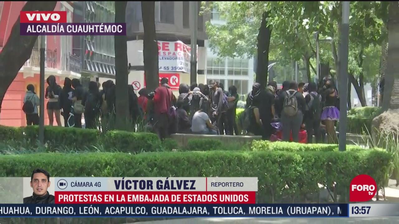 FOTO: manifestantes protestan en la embajada de estados unidos