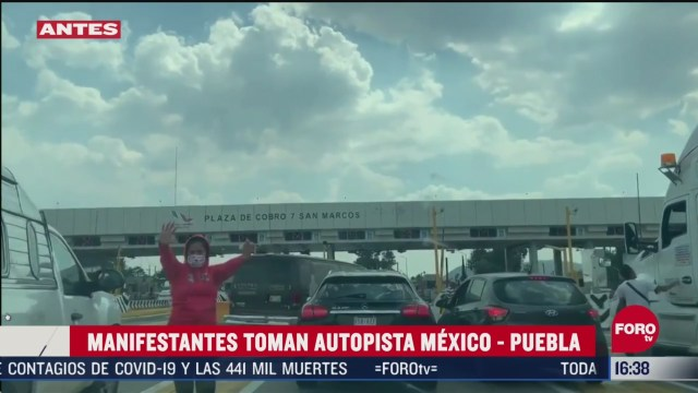 FOTO: manifestantes toman caseta en carretera mexico puebla