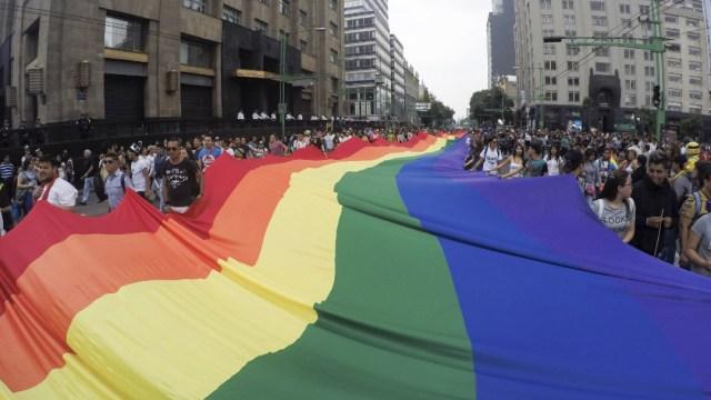 marcha-LGBT-orgullo-gay-YouTube-covid