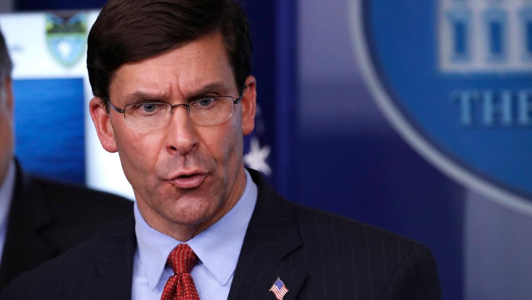 El secretario de Defensa de Estados Unidos, Mark Esper, en conferencia de prensa. (Foto: AP)