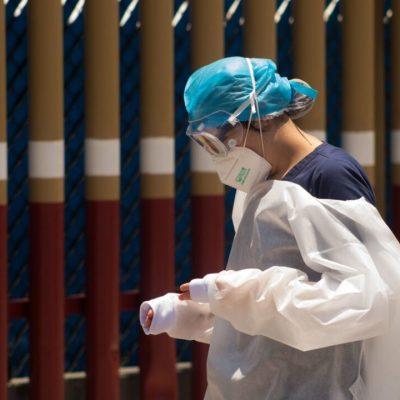 Abuelita fallece en estacionamiento de hospital por complicaciones respiratorias