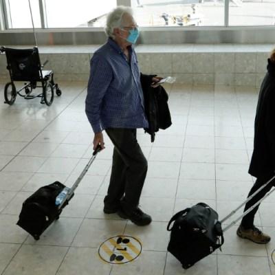 Pasajeros se preparan para abordar su vuelo en el aeropuerto de Christchurch en Nueva Zelanda. (Foto: AP)