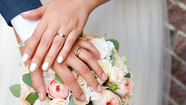 Divorciados ya no tienen que esperar un año para casarse