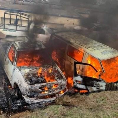 Pobladores de Cherán, Michoacán, intentan linchar a policías comunitarios y queman patrullas