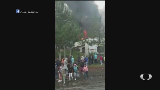 pobladores queman patrullas en cheran michoacan