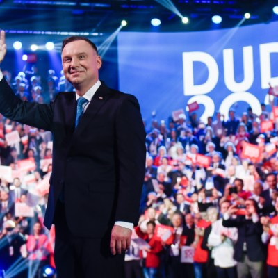 Andrzej Duda, presidente polaco, asegura que ser LGBT es peor que el comunismo