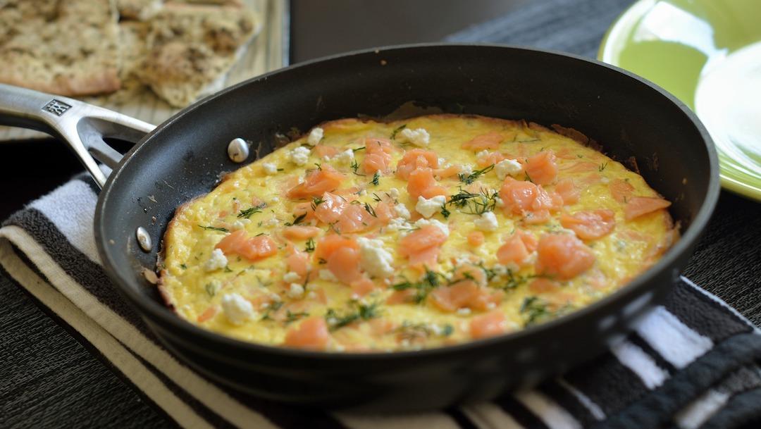 ¿Qué alimentos no debes cocinar en sartenes de hierro fundido?