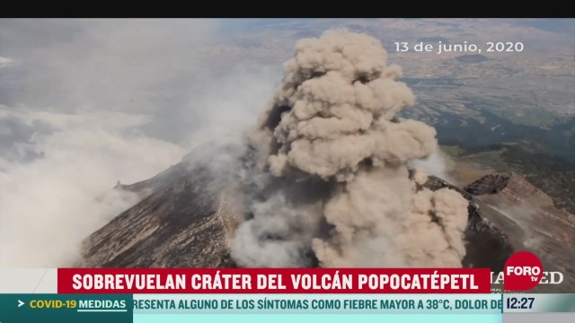 sobrevuelan crater del volcan popocatepetl