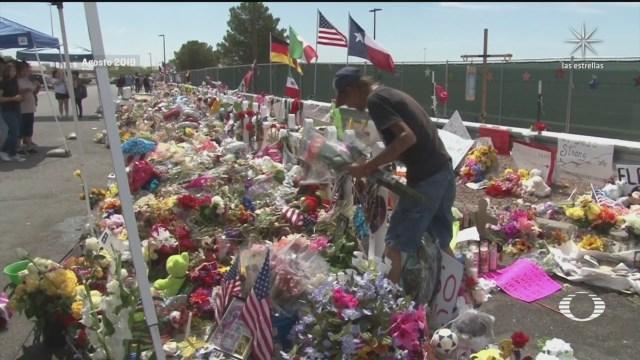 a un ano de la masacre en un walmart de texas ciudadanos planean conmemorarla y rendir homenajes